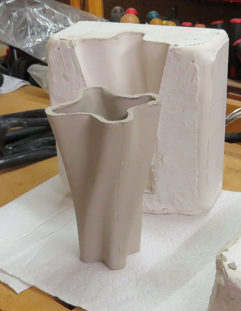 Digital Fabrication for Designers: Slip Casting 3D Printed Forms