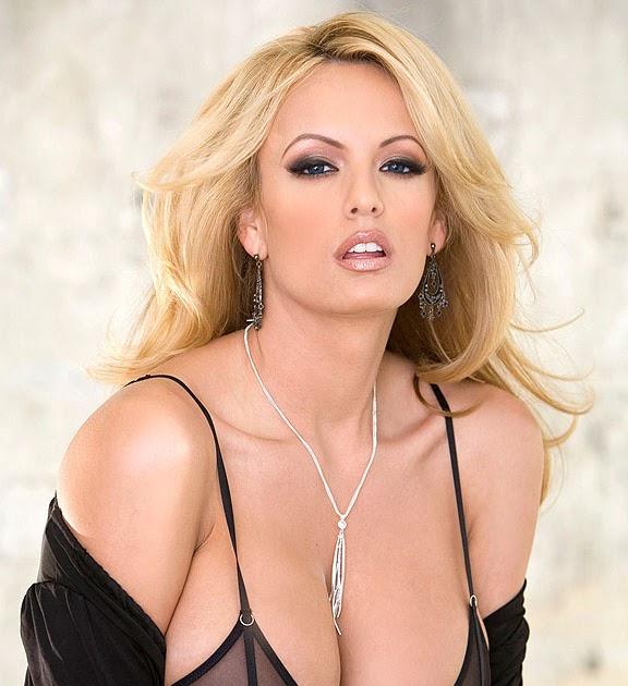 Stormy Daniels Nude Photo 82
