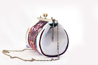 sac fermoir métallique vintage fait main simili cuir blanc tissu ethnique