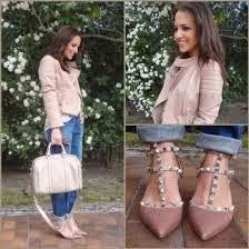 7195ebaa Meno.tienda: Calzado zapatos de tacón que emulan las de Valentino.