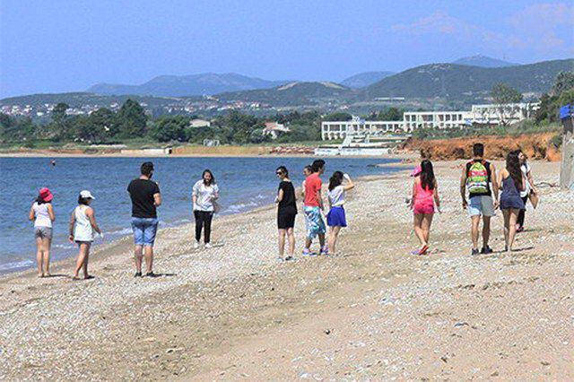 Εθελοντές καθάρισαν την παραλία της Νέας Χιλής Αλεξανδρούπολης