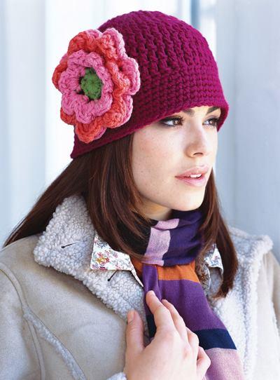 Gorro con Flor Grande a Crochet