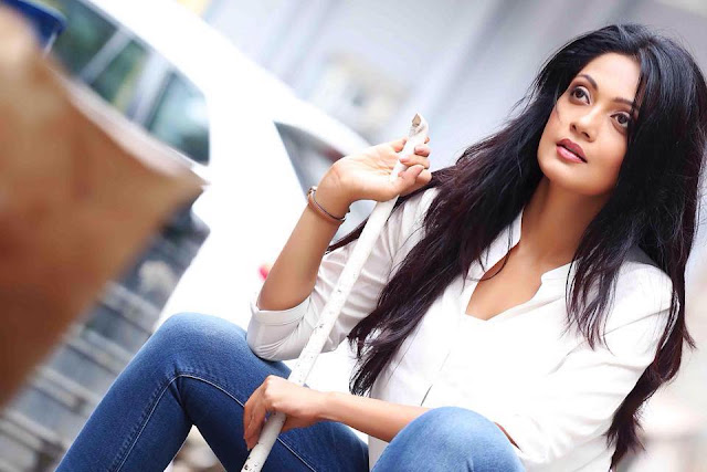 Sheena Chohan Biography