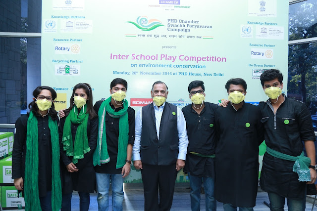 Mr. GS Singhvi with the Participants-