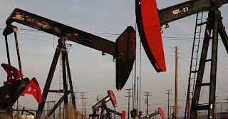 Mỹ doạ trừng trị Venezuela, giá dầu lại lên đỉnh 3 năm rưỡi