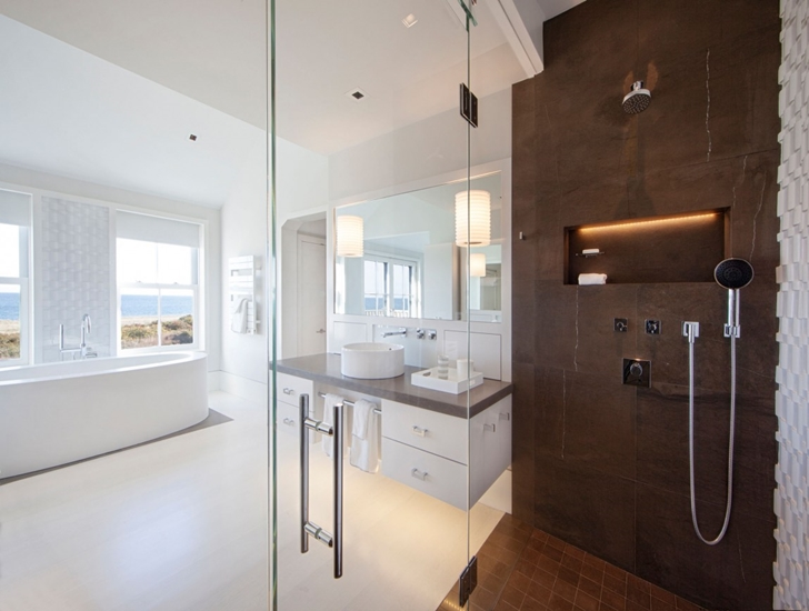 Bathroom in Contemporary style home on the beach