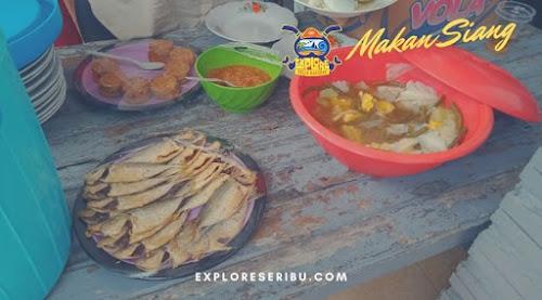 makan siang di pulau harapan