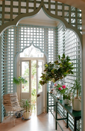 a perfect gray: indoor trellis