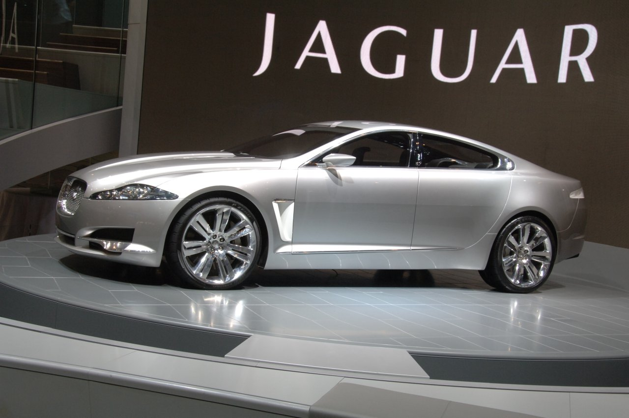 Cars World: Jaguar XF Supercharged
