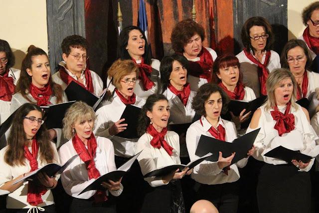 """Γιορτή για την επέτειο της 25ης Μαρτίου στο 2ο Γυμνάσιο με την συμμετοχή του """"Χορωδιακού Εργαστηρίου Ναυπλίου"""""""