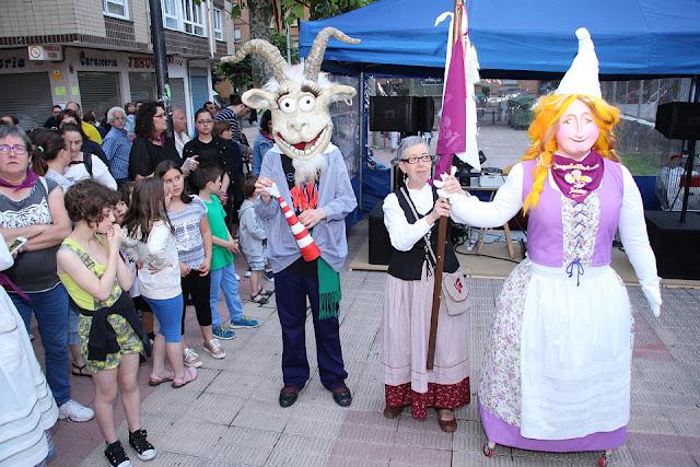 Las mascotas de las fiestas de Llano y de Zuazo-Arteagabeitia