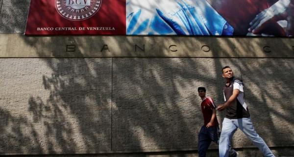 ¡DEFALCANDO AL PAÍS! Las reservas del Banco Central de Venezuela siguen bajando, dice JP Morgan