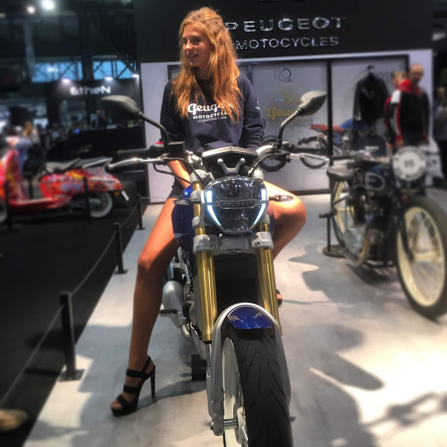 EICMA 2018: EICMA girls