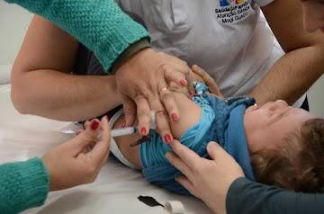 Yahoo News acidentalmente admite que  crianças infectadas com surto de sarampo já foram vacinadas
