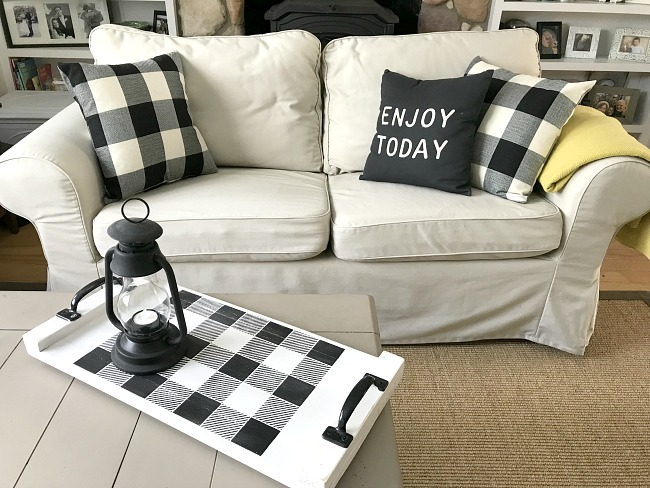 Farmhouse Style Using Pattern and Texture using buffalo checked tray
