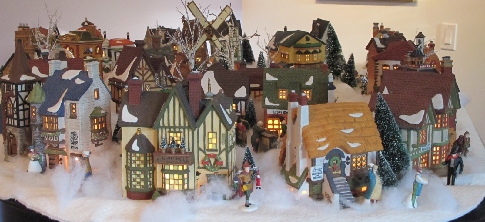Christmas Village Fun Blog My Own Department 56 Dickens
