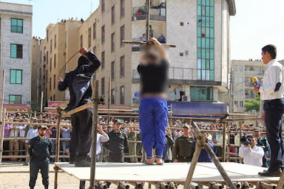 Medieval punishments: Public flogging in Iran
