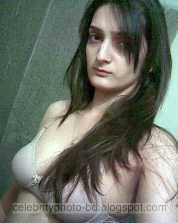 Pakistani sexy breast