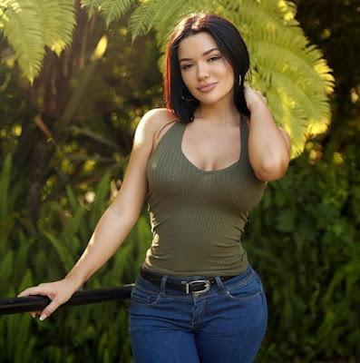 Genesis Mia Lopez age