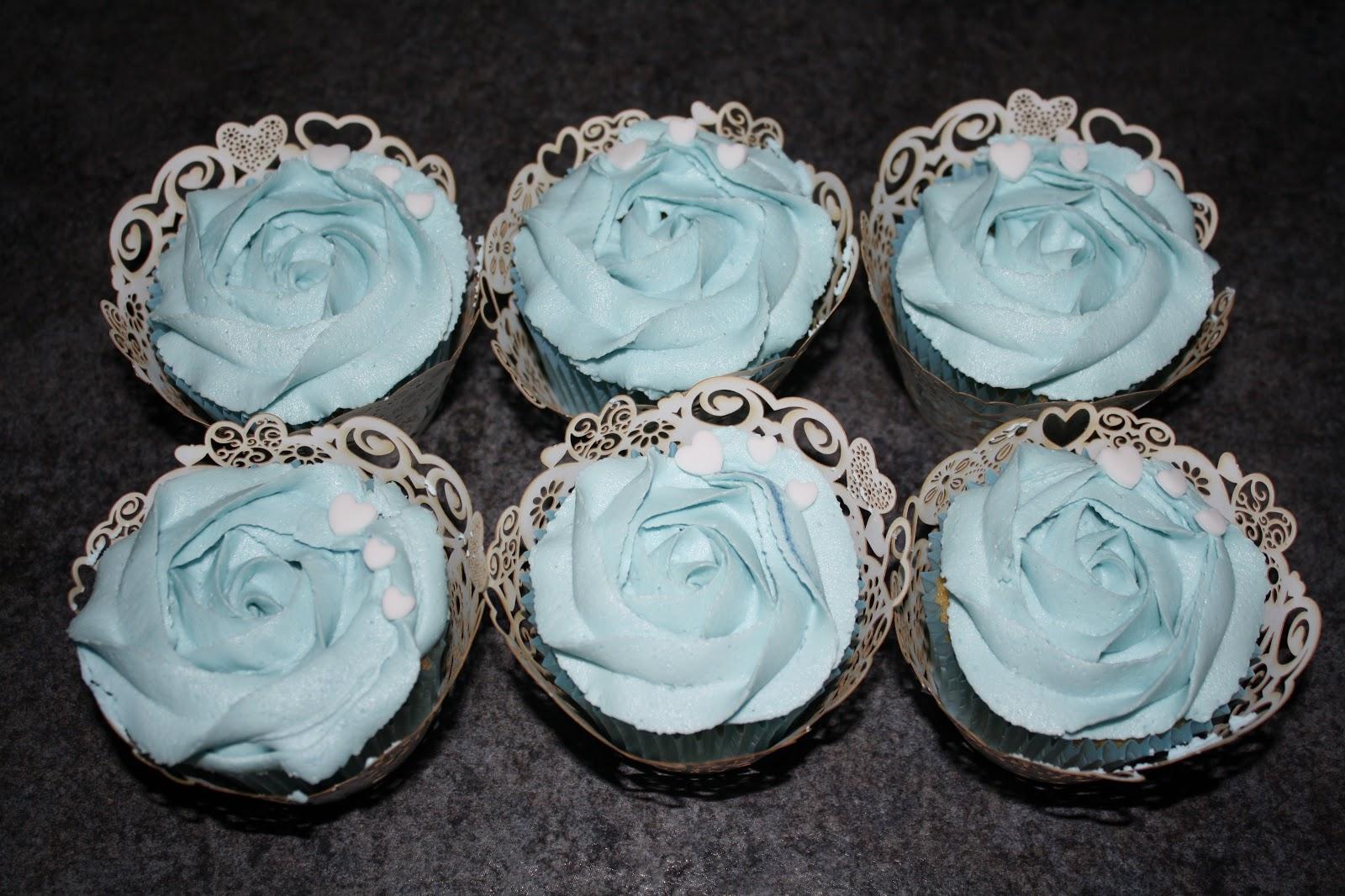 Tallulah's Bakery: {Mini Post} Christening Cupcakes