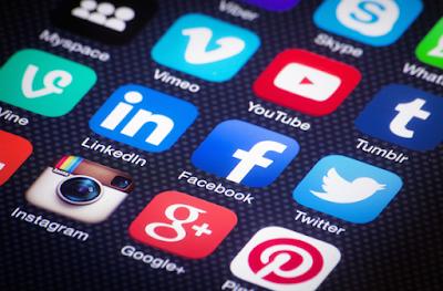 Mạng xã hội ra đời giúp cho việc marketing số phát triển nhanh chóng hơn .