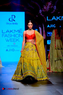 Bollywood Actress Malaika Arora Khan Walks on Ramp at LFW Summer 2017  0001.jpg