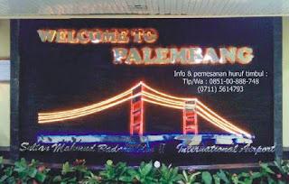 Huruf timbul stenlis palembang - lokasi di bandara sultan mahmud badaruddin II