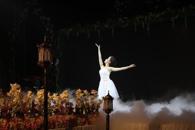 Porque você dança?. bailarina, garota dançando, vestido branco, - Blog Dança Crista - Por Milene Oliveira
