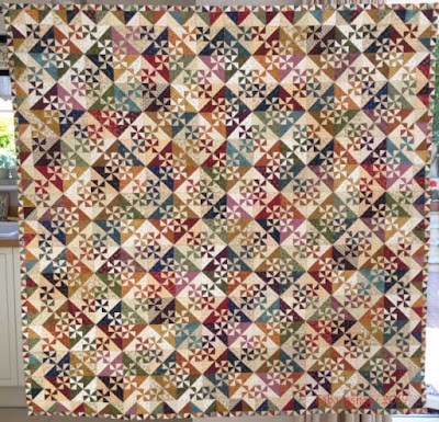 'Jane's Pinwheel' pieced and quilted by Frances Meredith