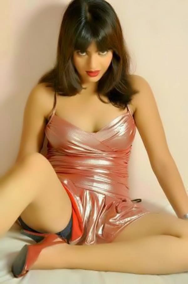 Laila - Arab Escort in Dubai +971552244915