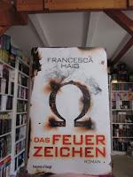 http://weinlachgummis.blogspot.de/2015/12/rezi-das-feuerzeichen-von-francesca-haig.html