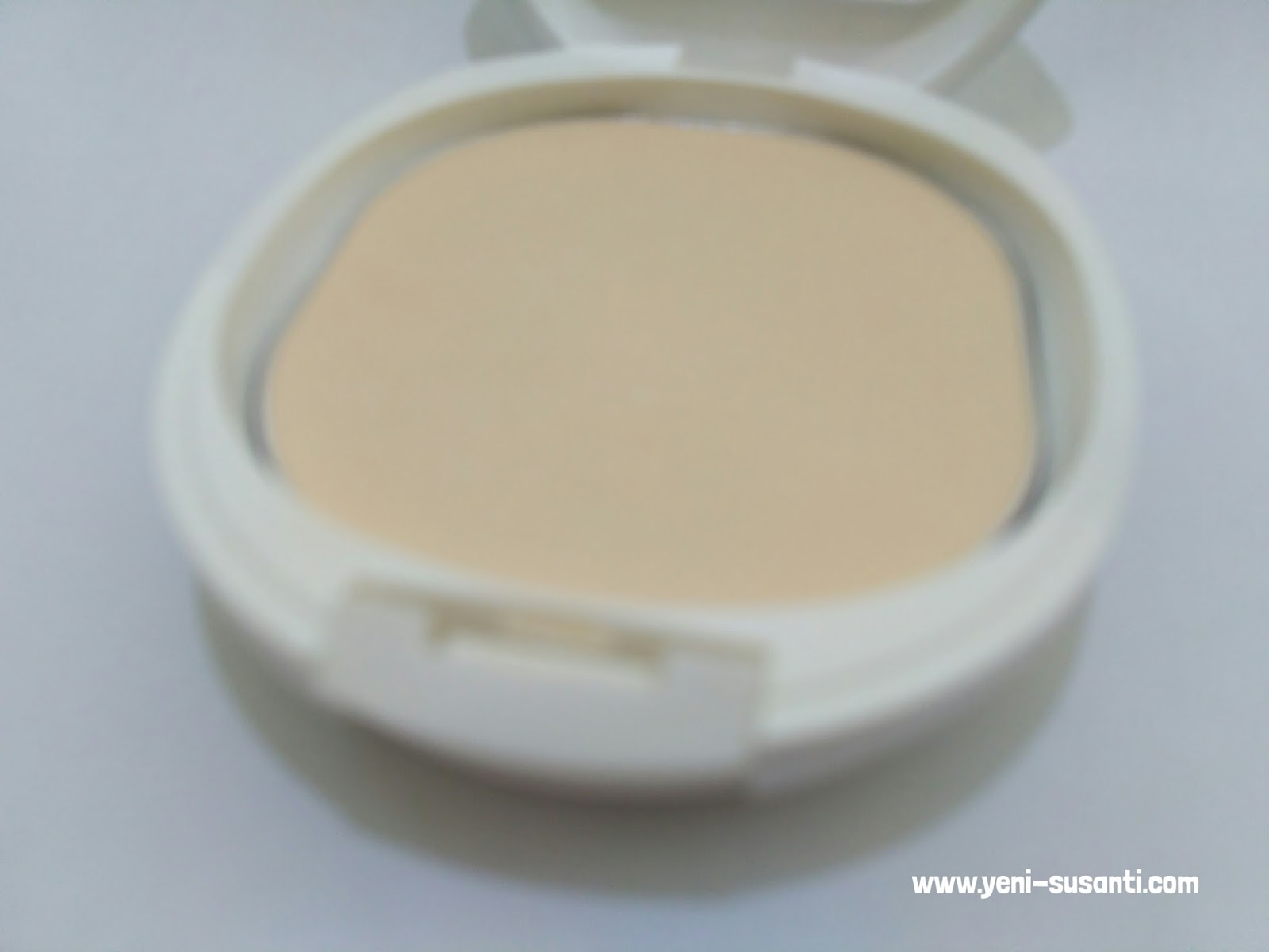 Review Pigeon Teens Compact Powder The Yellow Series Lifestyle Refill Hypoallergenic 20 Gr Gold