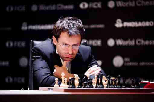L'image clé de la ronde 5 : l'Arménien Levon Aronian rate le coup décisif face à Alexander Grischuk - Photo © World Chess