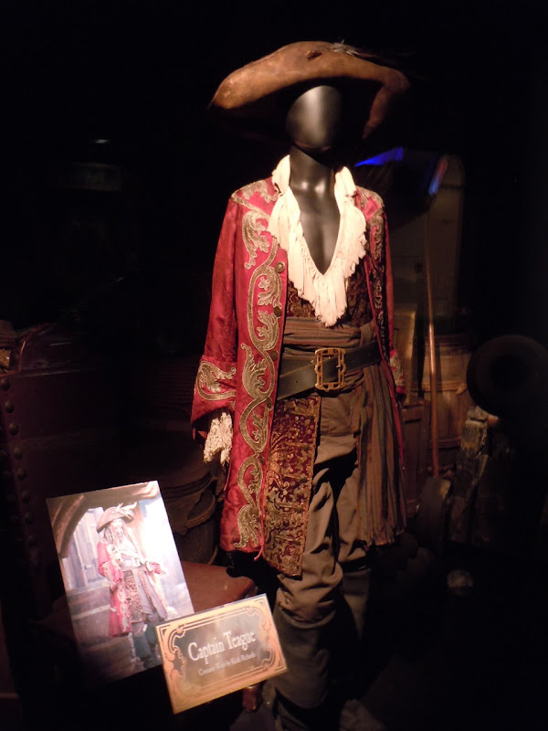 Keith Richards Captain Teague Pirates of the Caribbean costume