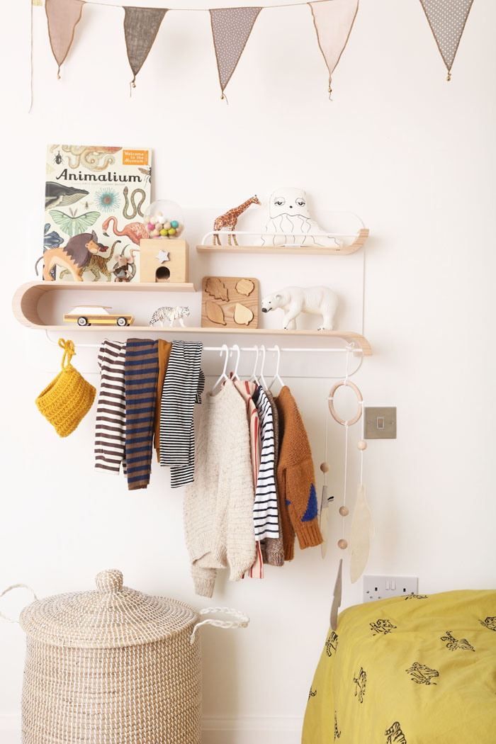 Clothes rack for children's rooms- Rafa-kids L shelf