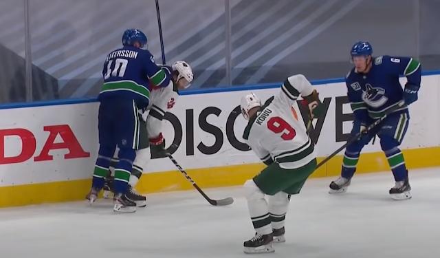 Elias Pettersson clocks Ryan Hartman, Canucks vs Wild 8/4/2020