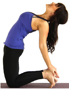 Ustrasana open up your chest and enables the lungs to take in more air, hence more oxygen which is great for the body and skin. It reduces stress and balances the hormones in the body that are responsible for acnes and pimples.