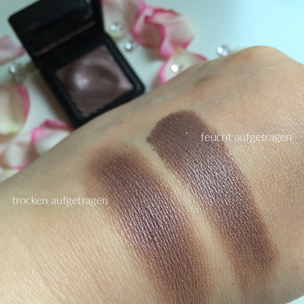 Swatches Kiko Water Eyeshadow 202 Golden Mauve