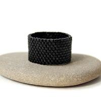 купить Широкое черное кольцо из бисера кольцо черного цвета готика