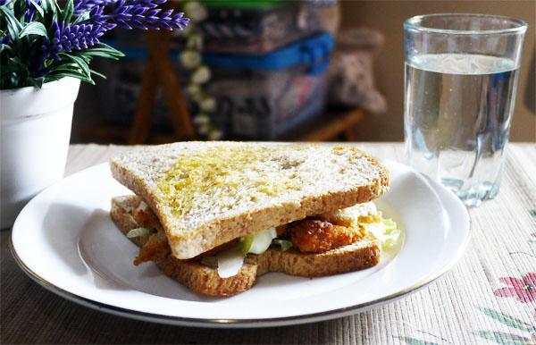 Membuat Sandwich Chicken Stick Dalam 5 Menit Untuk Sahur