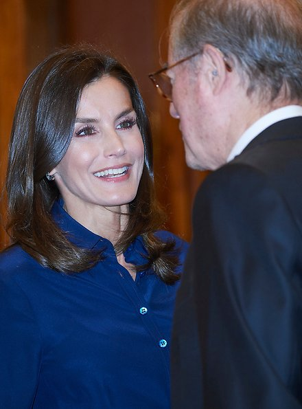 Queen Letizia wore Hugo Boss high waisted pencil skirt same worn Crown Princess Mary,, and Carolina Herrera navy shirt, and Magrit pumps