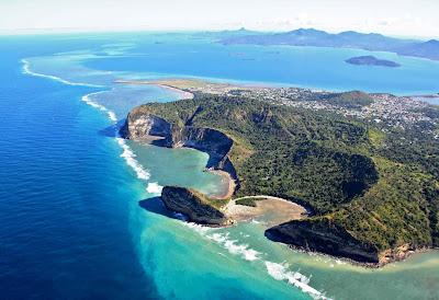 Vue aérienne de Moya plage de Mayotte à Petite Terre