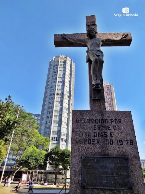 Foto composição com o Monumento Jesus Crucificado em destaque - Bela Vista - São Paulo