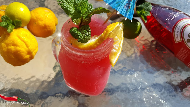 pink drinks, pink lemonade, drinks, spring, summer, lemonade, mocktail, lemonade recipe, mocktail recipe, slushie recipe, pool side, food blog, food blogger, halal drinks, spicy fusion kitchen, sweet,