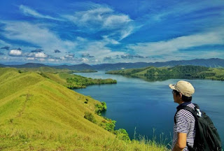 10 Most Beautiful Lakes in Indonesia