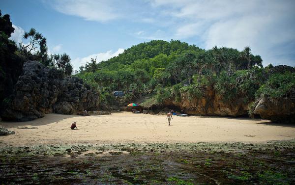 Keadaan alami dan bersih di Pantai Indrayanti Gunungkidul