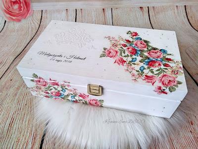 Pamiątkowa szkatułka ślubna z życzeniami dla Nowożeńców