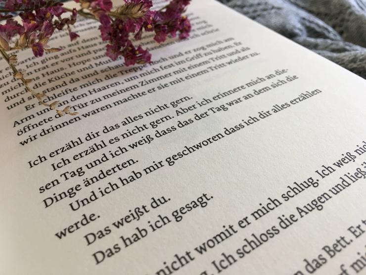 BücherKaffee: Rezension: Die Farbe von Milch | Nell Leyshon