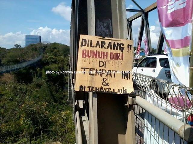 Jembatan Angker Tempat Bunuh Diri