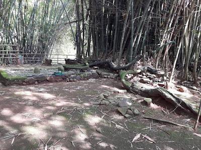 Situs Resi Kuncung Putih Di Kramat Munjul Kecamatan Darmaraja